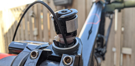 Image for Install the Di2 battery in the fork steerer
